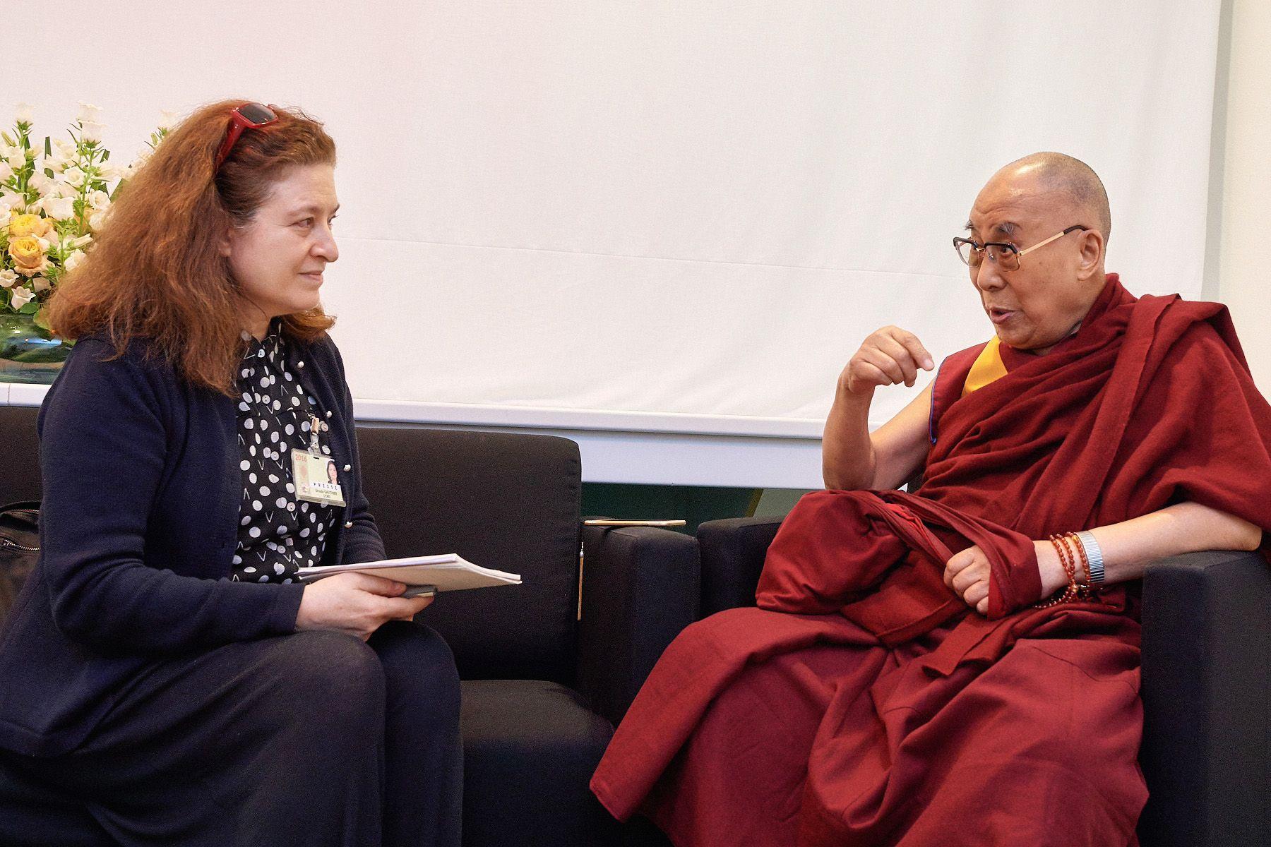 Entretien exclusif avec le maître spirituel tibétain lors de son passage à Strasbourg. Avec toujours la même obsession : comment faire pour ne pas sombrer dans la violence?