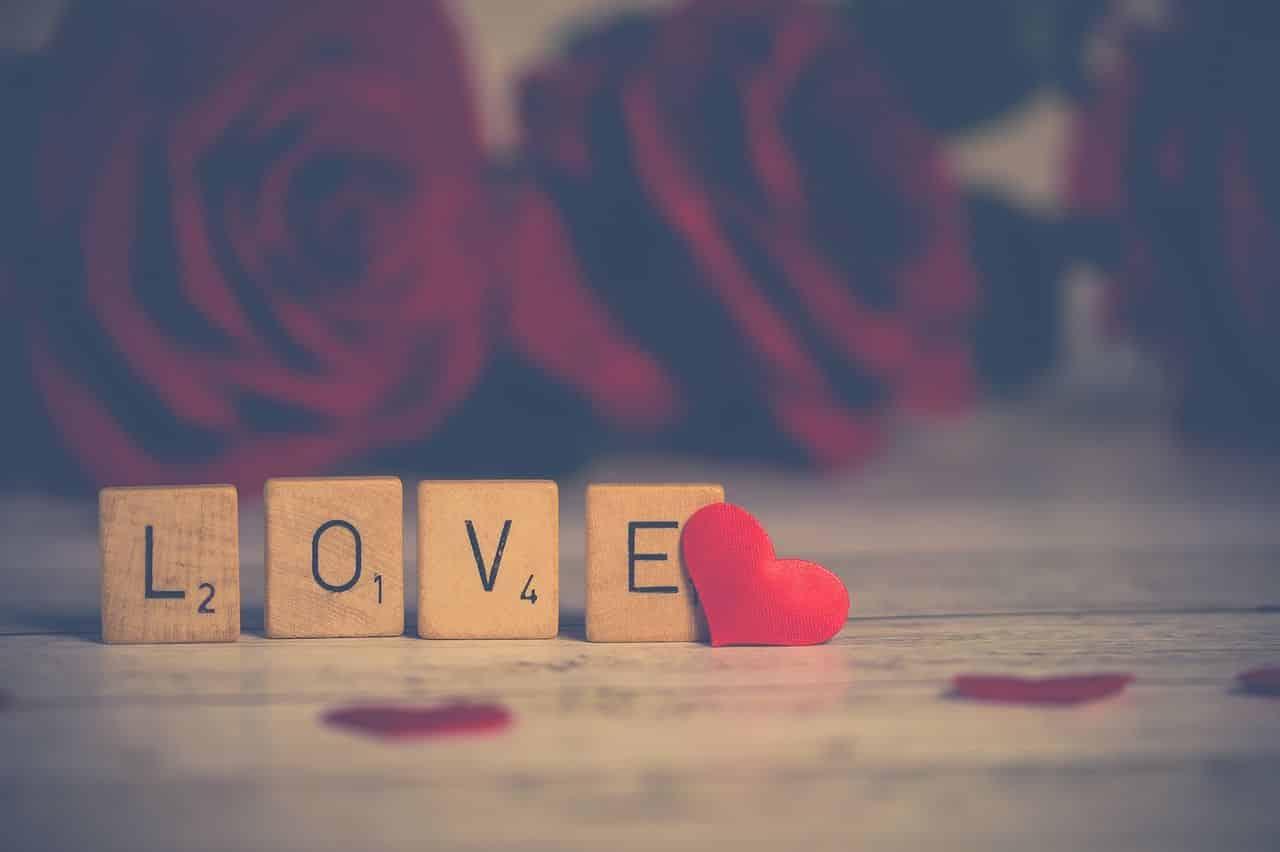 crois aveuglément en l'amour